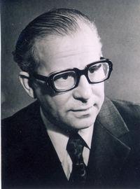 Святослав Владимирович Сахарнов